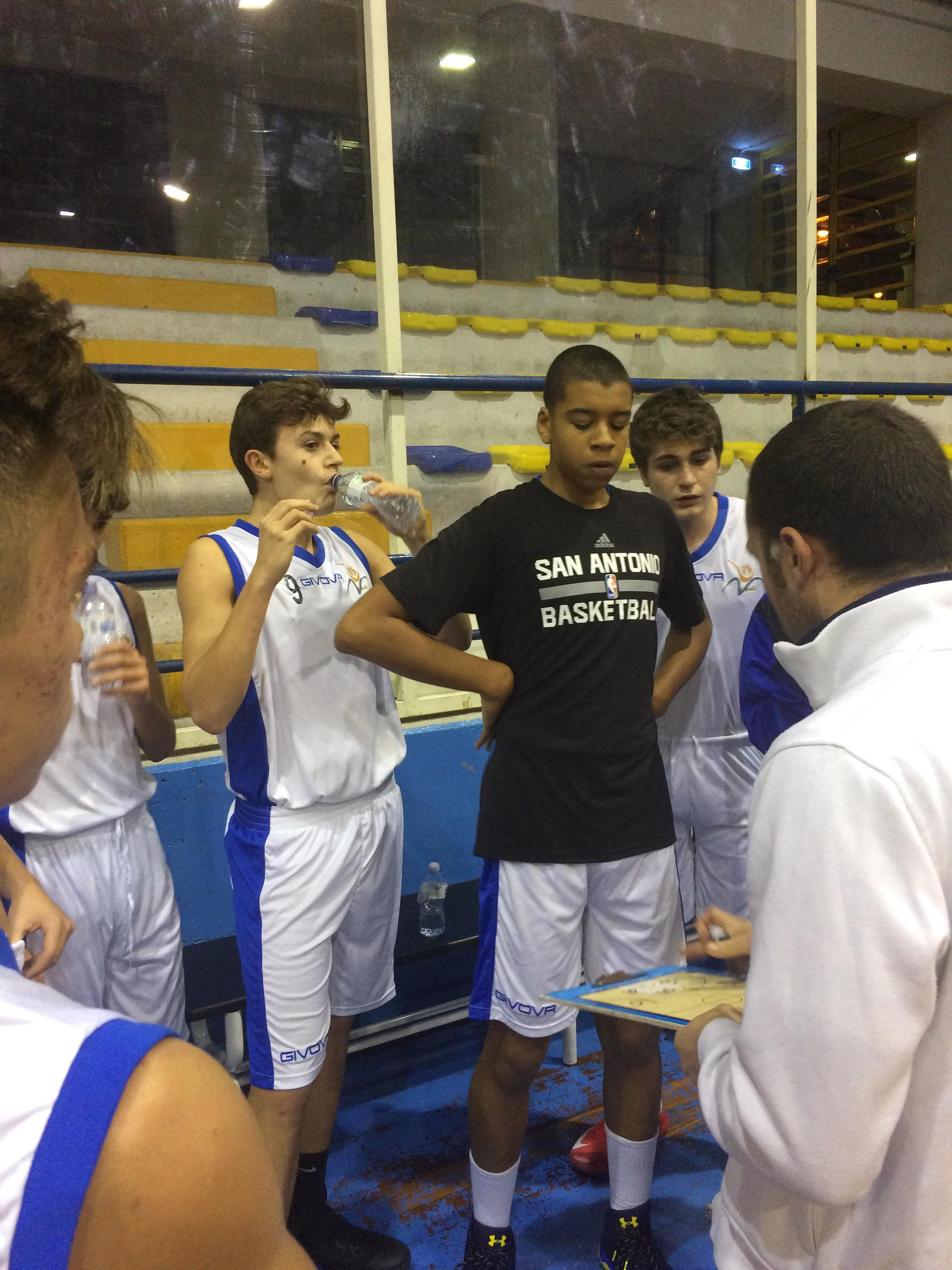 Under 15 Eccellenza: Vivi Basket lotta alla pari con Salerno